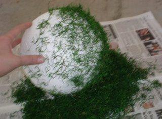 Mrs. Lemonade's DIY Moss Balls :  wedding diy reception decor 4rolli
