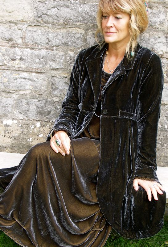 The Long Scoop jacket in velvet, over the Tasman dress, a classic. LOVE...