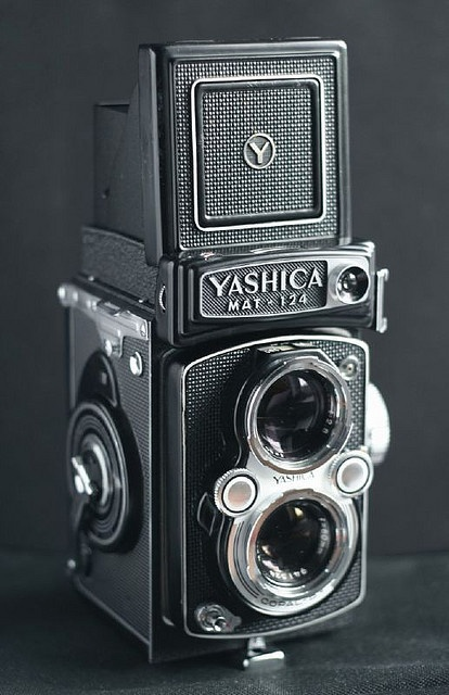 Yashica Mat-124. I just got one of these with an inoperative meter. #cameraYashica Mat