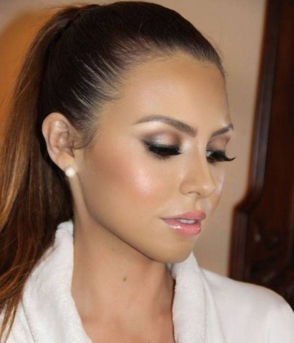 already pinned this particular pic, but plenty of other beautiful makeup looks on this site!  Wedding Makeup Ideas from Pinterest-16