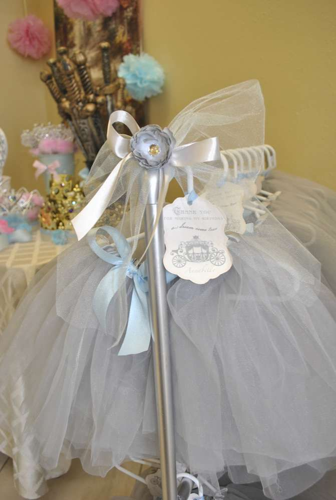 Cinderella Birthday Party Ideas | Photo 18 of 33 | Catch My Party