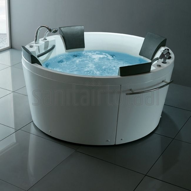 Bubbelbad badkamer, luxe badkamer, welness badkamer, badkamer inspiratie, badkamer ideeen, whirlpool badkamer, indoor jacuzzi, whirlpoolbad