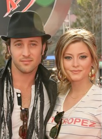 ♥♥♥♥♥  Alex O'Loughlin and Holly Valance at Speed Racer premiere - april, 2008