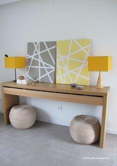 Cuadros geométricos DIY: un lienzo, pintura de tonalidades a elegir, cinta de carrocero... et voilà!