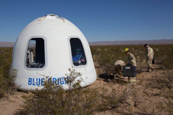 Космический корабль New Shepard впервые доставил груз на орбиту http://ift.tt/2znEXx0