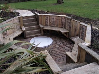 Thinking of a sunken seating area like this for the end of my garden, which is lower than the rest. Perhaps a fire pit in the middle? Perhaps I should start doing the lottery.