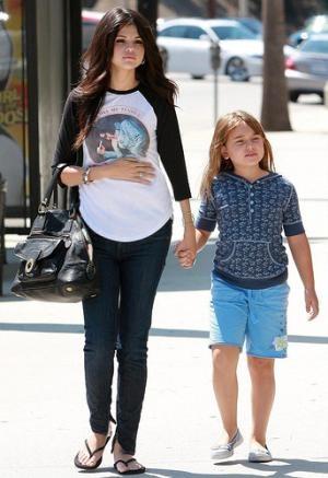 25+ best ideas about Selena gomez pregnant on Pinterest   Selena ...