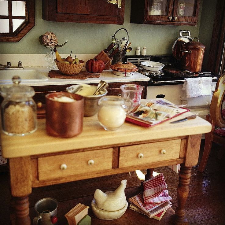 Miniature kitchen 1:12   by It's a miniature life...is playing with clay