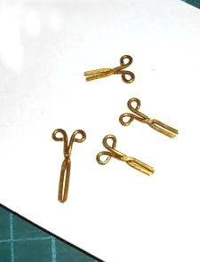 how to: mini scissors..hook & eye