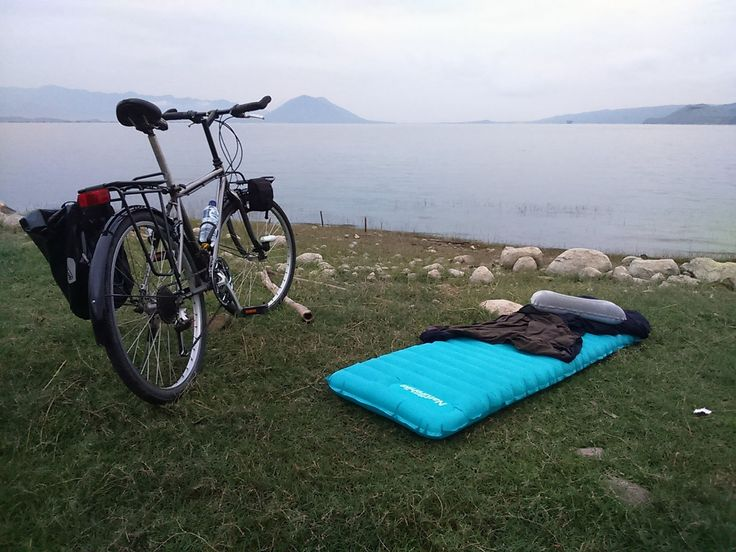 Sleeping Pad Naturehike at Waduk Jatiluhur https://flic.kr/p/MGNzCu | Ultralight Sleeping Pad Naturehike | NH15T052-P 183×50×9cm 570g 80% nylon+20%TPU copper nozzle