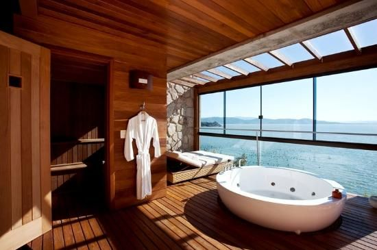 Amazing bath view with sauna and jacuzzi...