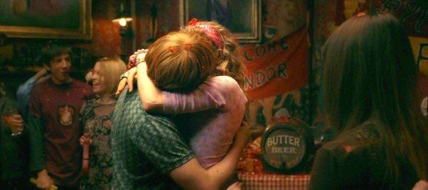 Ron Weasley And Lavender Brown Kiss Mucq Harrypotter Ronweasley Lavenderbrown Halfbloodprince Love Ron Weasley Weasley Aesthetic Harry Potter Pictures