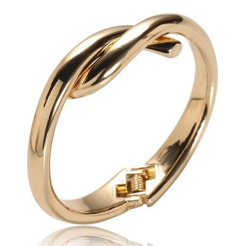 TWIST CUFF (GOLD)    www.minimalistjewellery.com.au    #minimalistjewelry #minimalistjewellery #minimalist #jewellery #jewelry  #jewelleries #jewelries #minimalistaccessories #bangles #bracelets #rings  #necklace #earrings #womensaccessories #accessories