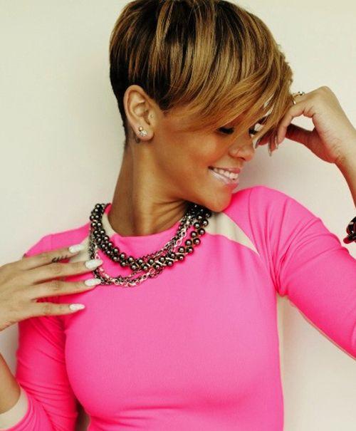 Rihanna Short Mushroom Cut Hairstyles with Highlight