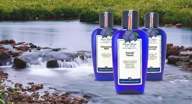 100% природы из Исландии  Средства по уходу за кожей Purity Herbs™ ICELAND создаются вручную на основе исландской ледниковой воды и IS˚-формул из исландских трав.   Purity Herbs™ - Чистая Красота.