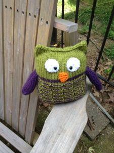 Such a cute loom knit owl!