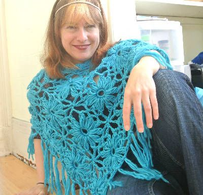 Floral Poncho: Things To, Crochet Apparel, Wearing Crochet, Artes Manuales, Crafty Creations, Crochet Ponchos, Crochet Patterns, Ponchos Wearables