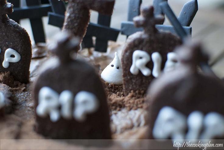 [ Cementerio de Halloween (brownie) ] Cualquier excusa es buena para hacer un pastel, es Haloween así que… decidimos preparar algo terrorífico...
