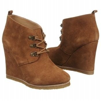 steve madden tanngoo wedge ankle boot worn by bonnie