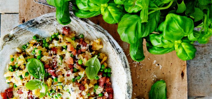 Rösti met spek en erwtjes carbonara-stijl is een heerlijk recept van @ Aviko: https://aviko.nl/recepten/uitprobeer-dag/rösti-met-spek-en-erwtjes-carbonara-stijl
