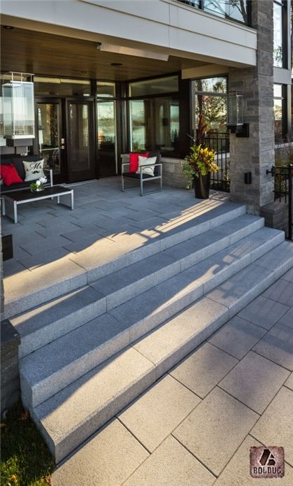 Marches et dalle prestige gris granite. Prestige step and slab granite gray.