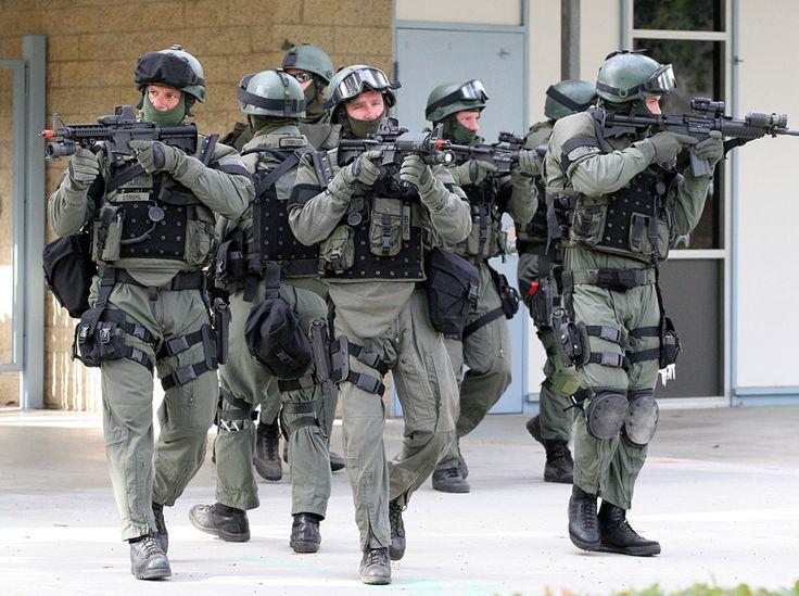 swat team   SWAT Team - Deadliest Warrior Wiki - The wiki about everything ...