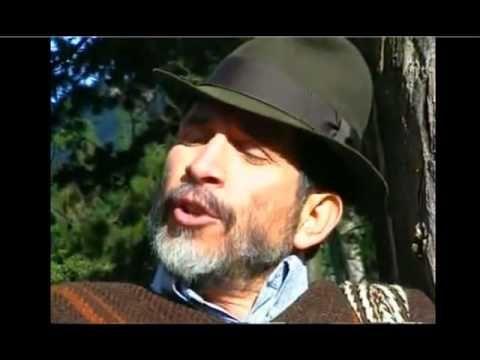 Es un video de una cancion de Jorge Velosa, de Colombia. El es el creador de un tipo de musica llamada carranga. La cancion se llama El rey pobre.