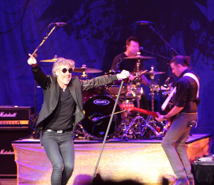 """Collective Soul played to a near sold-out crowd at the Canton Palace Theater on Saturday night. Frontman Ed Roland told an interesting story early in the set. He said he was speaking to someone before the show and they mentioned that Collective Soul was a """"'90s band."""" Roland responded """"we may have been formed …"""