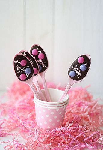 Cucharas de chocolate by SandeeA Cocina #birthday #party #ideas