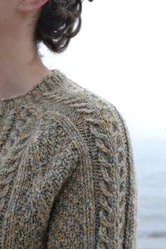 Ravelry: Porter Cardigan pattern by Beatrice Perron Dahlen. Knit in Peace Fleece…