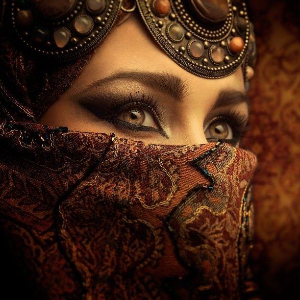 Woman Eyes East Fashion Veil Arabic Indian Style Burka