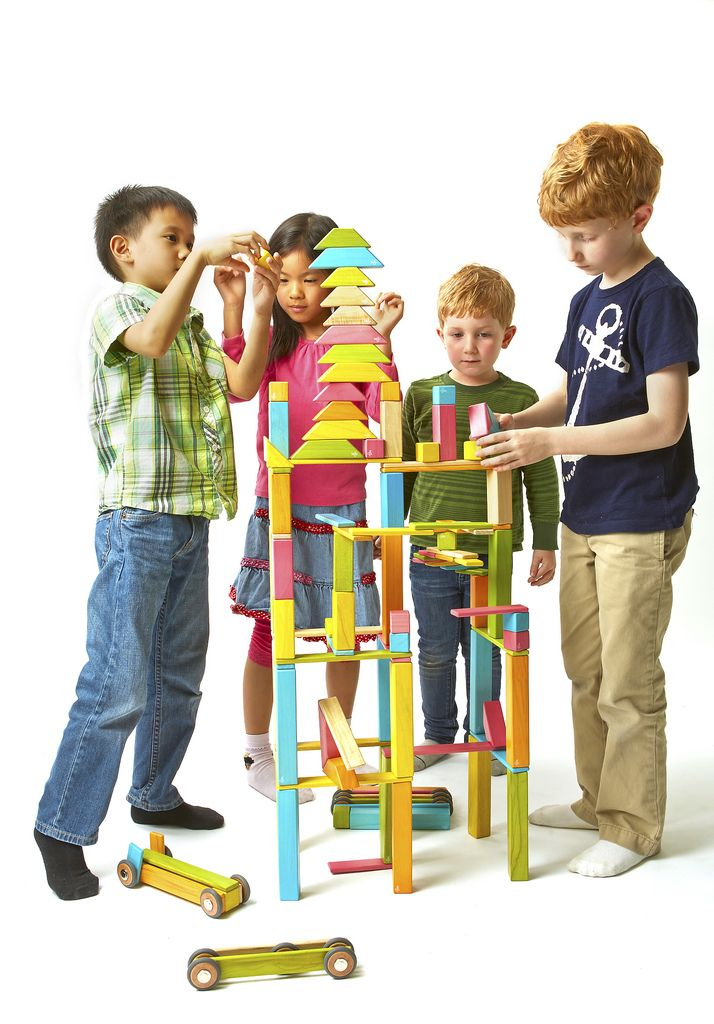The Tegu Classroom Kit is perfect for the classroom or home playroom! #MagneticWoodenBlocks #BoundlessPlay