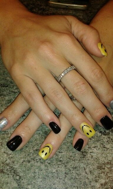 #SMILEY FACE# black and yellow#glitter silver