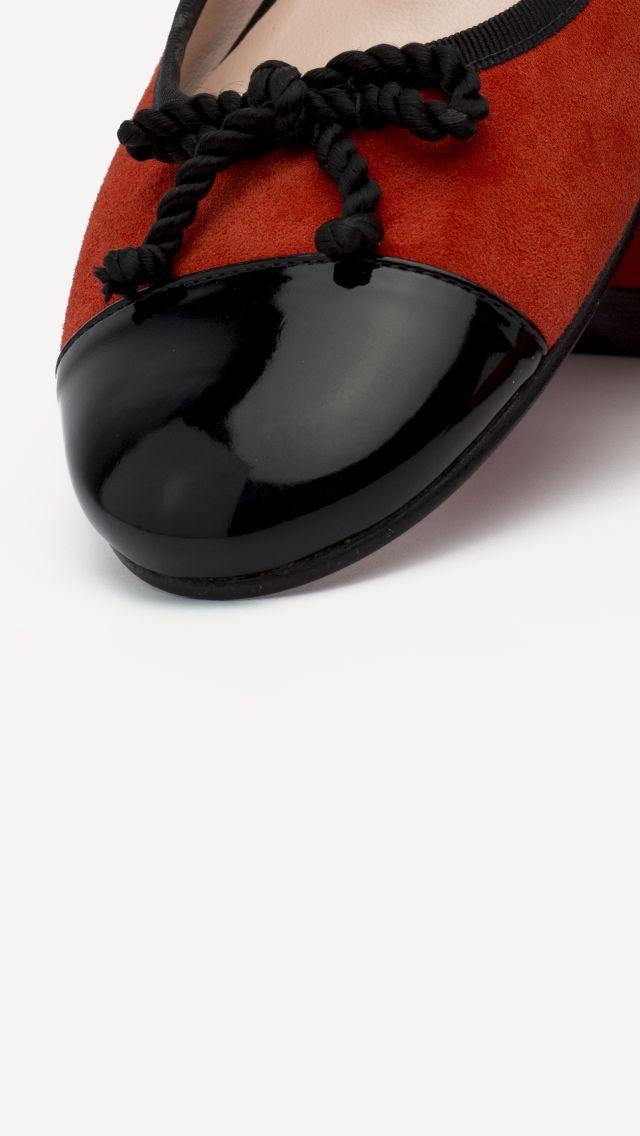 ❤️💕 Bailarinas únicas. 😍😙😙👠 100% hechas a mano y puedes personalizarlas a tu gusto!!! #ZapatosdeVerdad #handmade #woman #NoWords #MyShoes #ManuelReinaShoes #CustomShoes #SonParaTi #ManuelReina #Goya30 #sabado #PasionPorLaModa #SonParaMi #LosQuiero #GoldShoes #ZapatosCasual #LocaPorLosZapatos #manoletinas #style #boutique #tendencias2018 #estilo #mujer #primavera #bailarinas #moda #trendy #fashion #tendencias