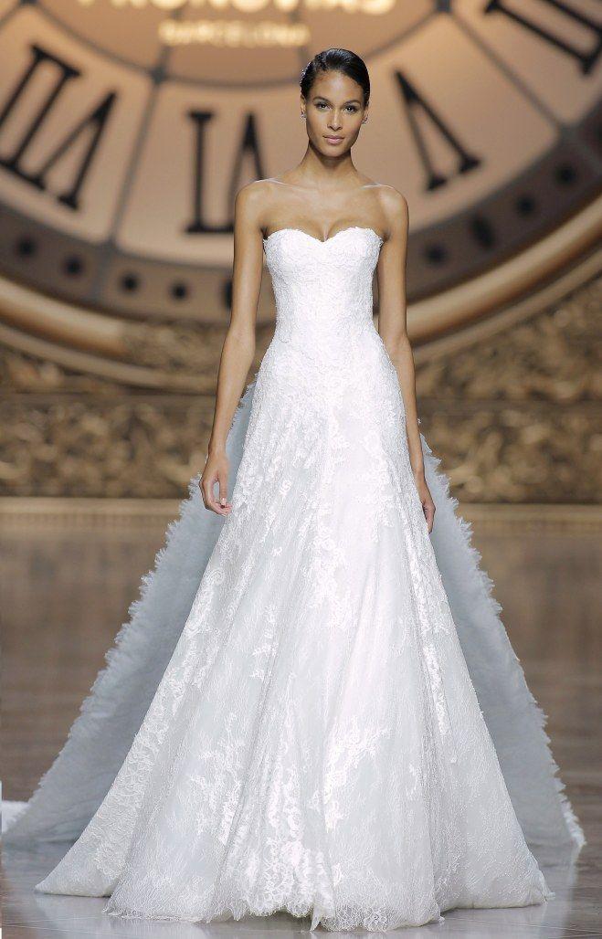 Robe de mariée bustier Pronovias