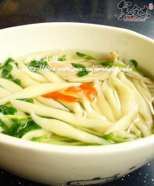 Cuoyu,the noodles just like small fish,you can match different kind of soup,this is chicken soup noodles