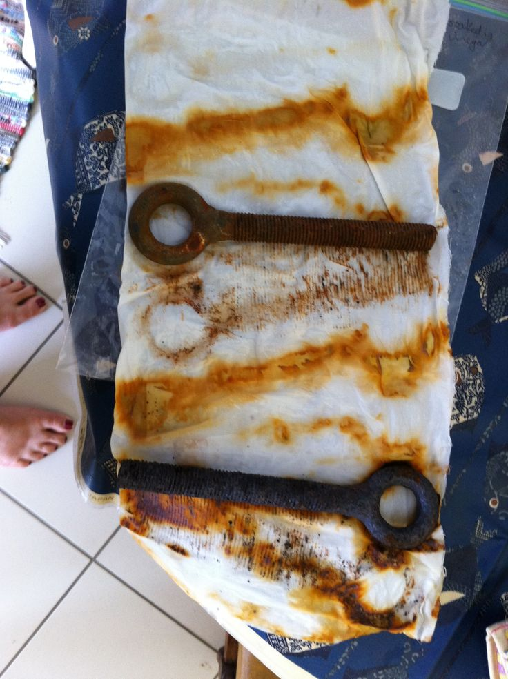 Fabric dying experiments: rusty items