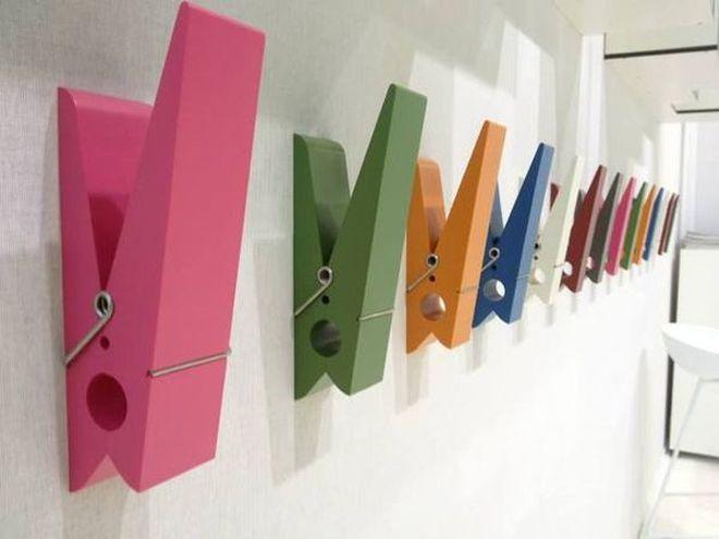 Appendiabiti Pince Alors http://www.design-miss.com/appendiabiti-pince-alors/ Il #design si unisce alla #funzionalità con il prodotto Pince Alors, delle #mollette giganti che possono essere fissate sulla #parete ed utilizzate per #appendere …