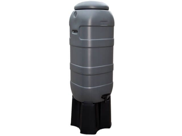 Kunststoff Regentonne Slimline (Rainsaver) anthrazit 100 Liter auf Fuβ.