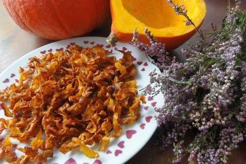 Jak udělat slané chipsy z dýně | recept
