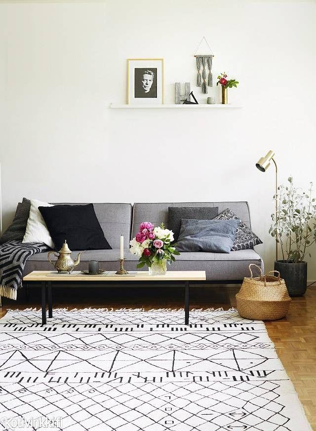 Tee itse berber-matto - katso hauska ohje! Tee edullinen versio trendimatosta maalaamalla kuviot valkoisten räsymattojen pintaan.