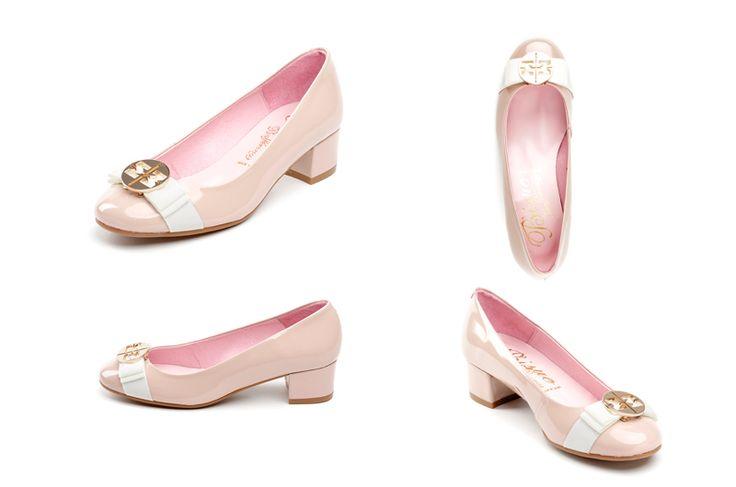 Zapatos de mujer con punta charol de la marca Bisue. Fotografia: Kinoki studio