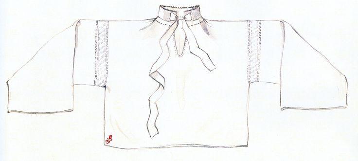 Mužská košeľa, Čierny Balog, začiatok 20. storočia. Košeľa je ušitáz domáceho tenkého ľanového plátna. Má rovný strih, s rovnými rukávmi, s nízkym stojatým golierom a s krátkym rozparkom. Siahala do pása, ojedinele mohla byť aj kratšia. Košeľa je určená na sviatočné dni. Svedčí o tom nielen materiál, z ktorého je ušitá, ale i spôsob prišitia rukávov pomocou mriežky z háčkovanej čipky. Podobná čipka mohla byť našitá aj na koncoch rukávov. Muži v nej často mali vyháčkované svoje meno.