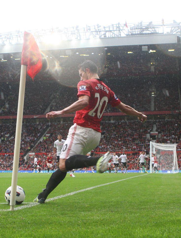 @manutd forward Robin van Persie swings in a corner on his home debut for the club in August 2012.