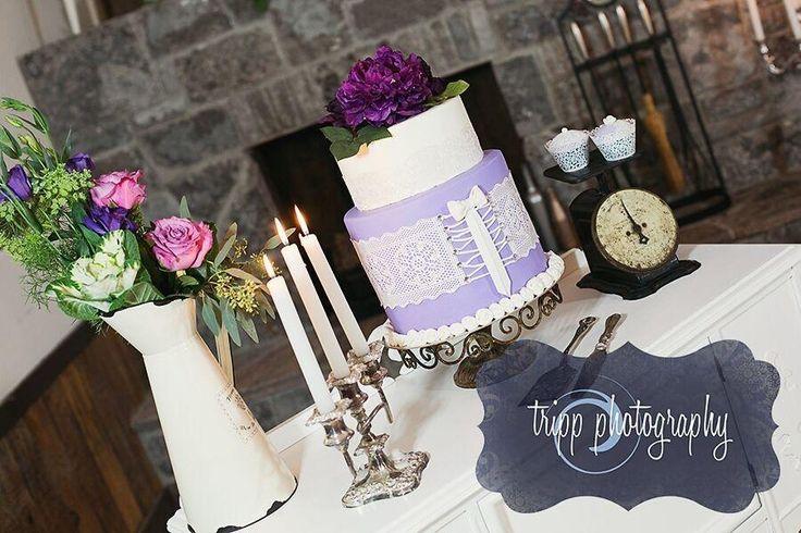 Wedding Cake Purple - Cake by Ediblesins