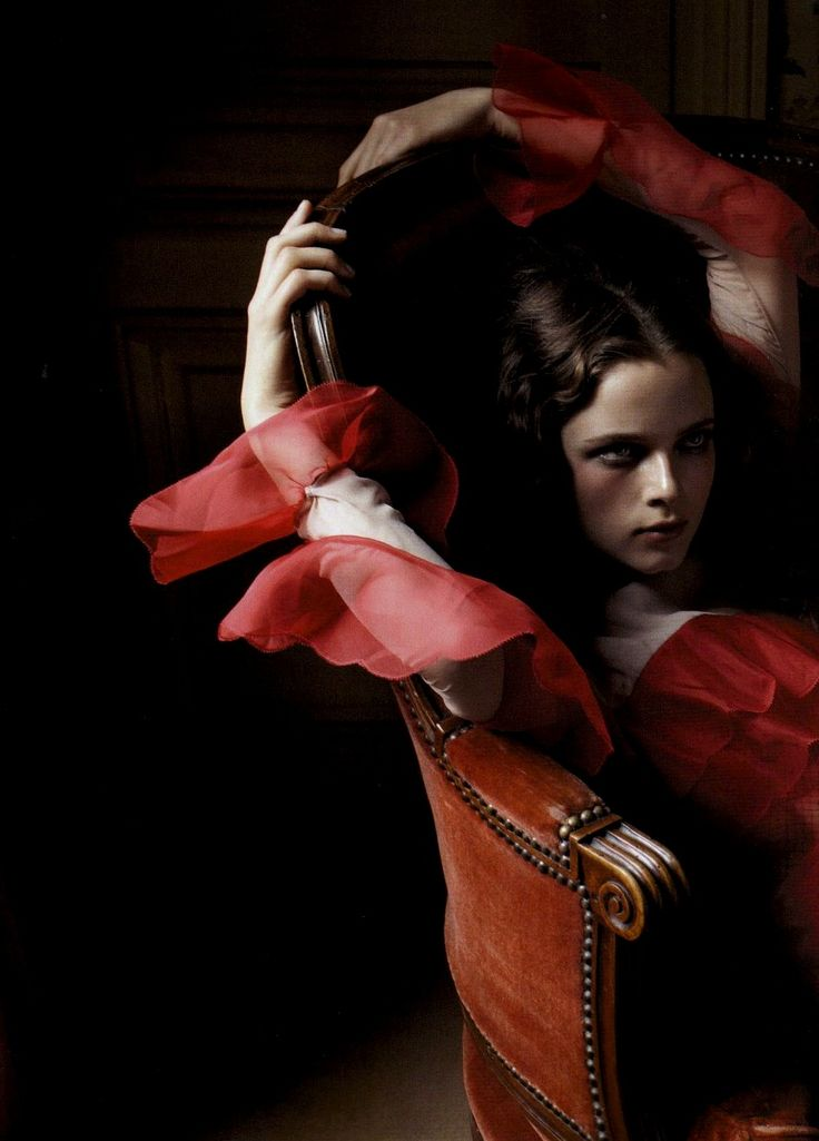 Model: Anna de Rijk | Photograoher: Yelena Yemchuk - for Numéro | The lighting, exposure and composition is remarkable.