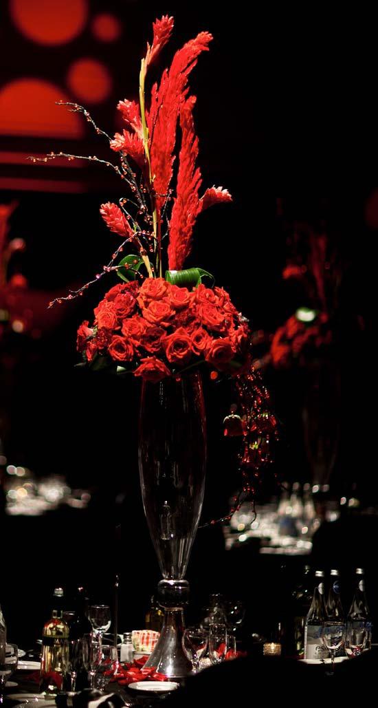 Elegant wedding magazine /black and red wedding decor