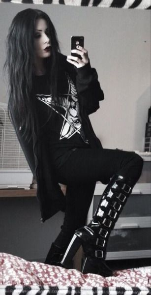 Nu Goth pinterest: @Riley_Doverwood