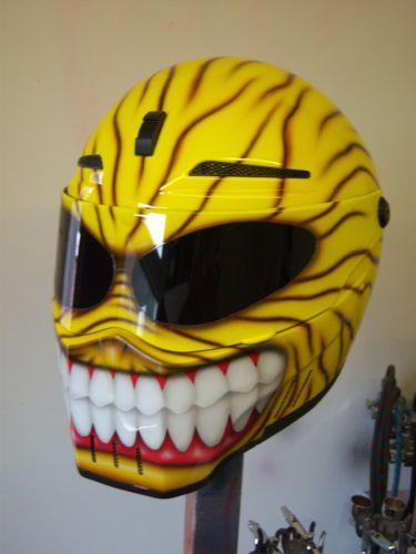custom airbrushed helmet bandit alien 2   eBay