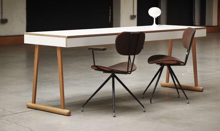 DYMO. Una mesa llena de vida